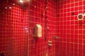 シャワー室完備!アメニティも充実していますので、急なお泊りでも安心★
